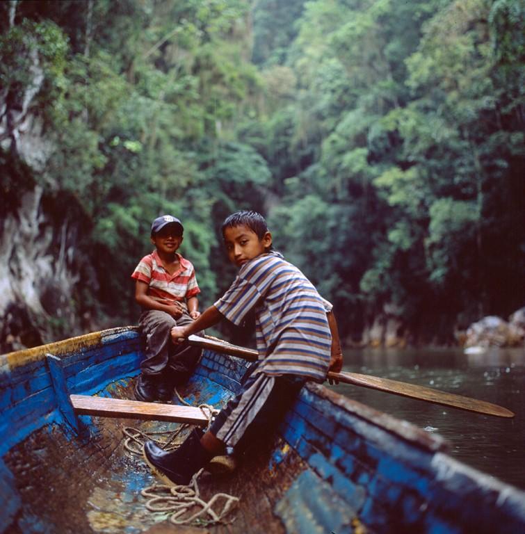 012---Boatboys_Rio_Dulce_Guatemala_Trocaire_2002