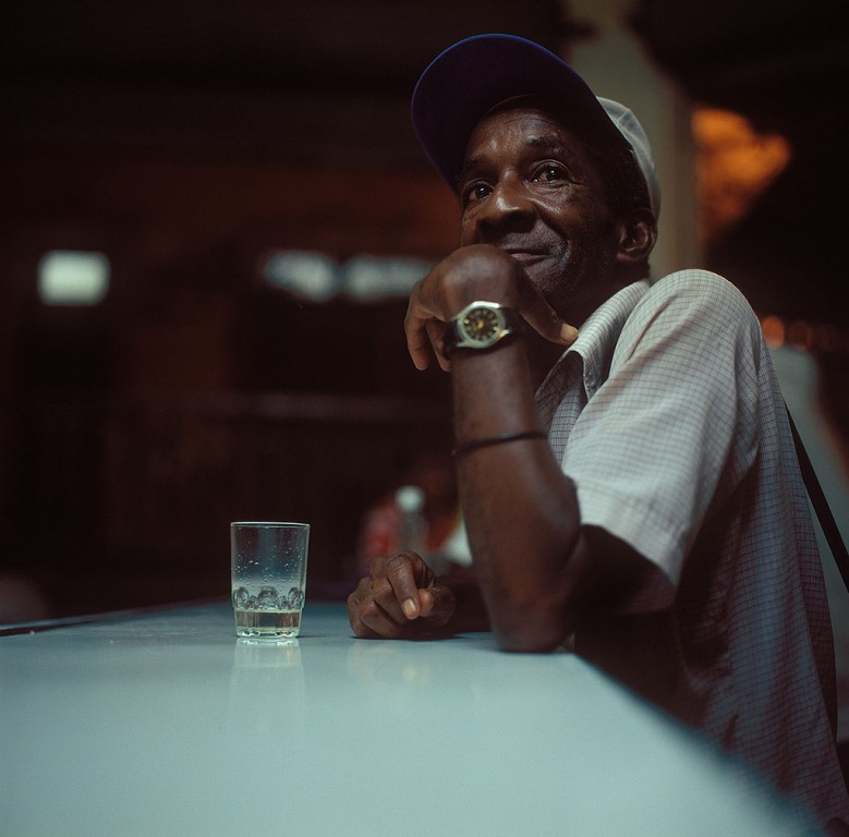 023---Rum_drinker_Cuba_People_show